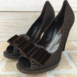 BCBG MaxAzria Chocolate Pump Heels Velvet Bows 8